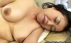 Japanese milf uses fake strapon previous close to weighty bj