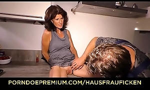 HAUSFRAU FICKEN - Gaunt of age copulates rock hard cock