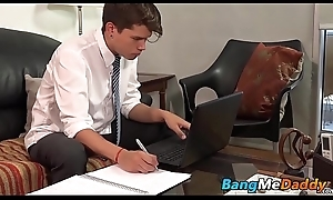 Elder blissful toff sucks his boyfriends cock in advance barebacking