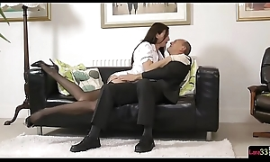 English mature knockout seduces lucky distance from