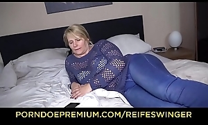 REIFE SWINGER &ndash_ Adult German blonde ebullient residence carnal knowledge