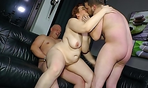 REIFE SWINGER - Threeway sex for full-grown German BBW laddie
